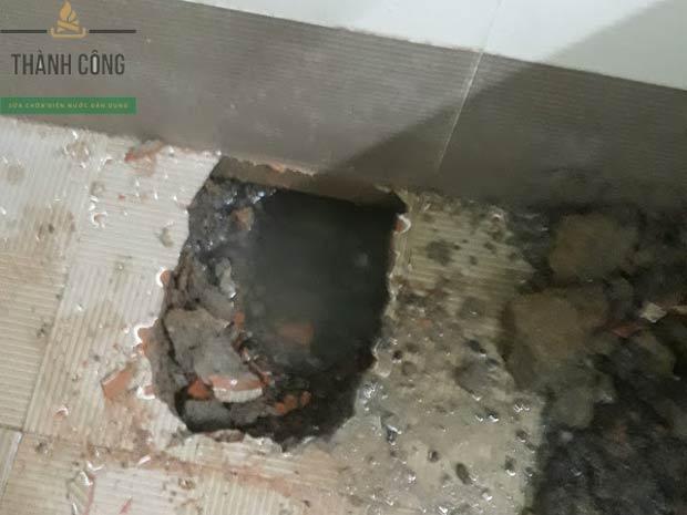 Dấu hiệu cho thấy đường ống cấp nước bị rò rỉ