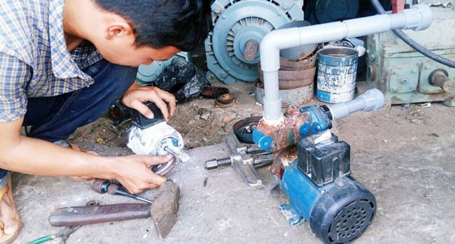 Nguyên nhân máy bơm nước không lên nước