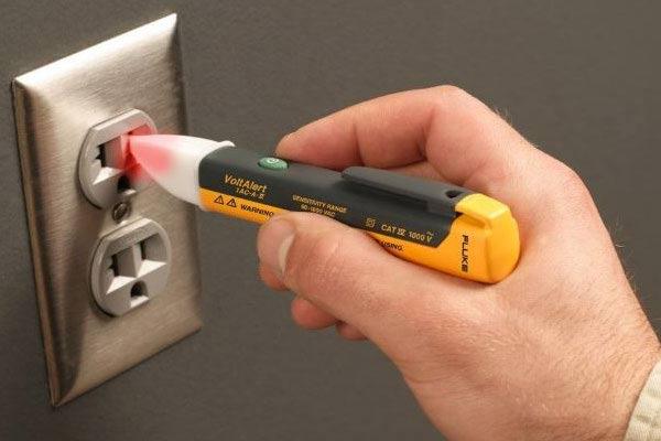 Sử dụng bút thử điện