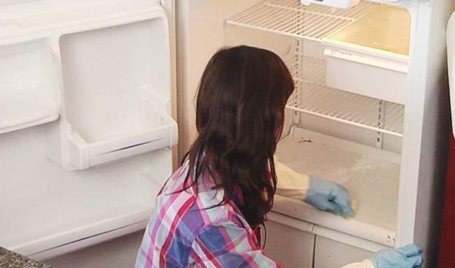 Tủ lạnh hoạt động nhưng không lạnh