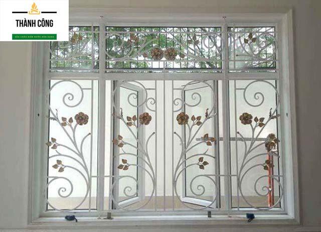 Tiêu chuẩn lớp sơn ngoài sẽ ảnh hưởng đến chất lượng cửa sổ sắt. (Nguồn Internet)
